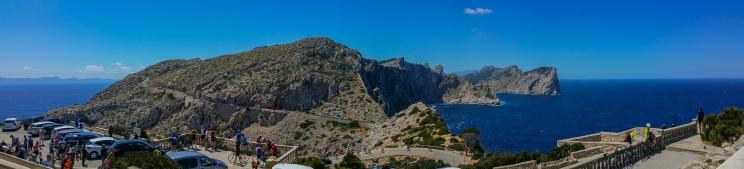 Blick von Cap de Formentor - Plattform Leuchtturm - Panorama (Handyaufnahme)